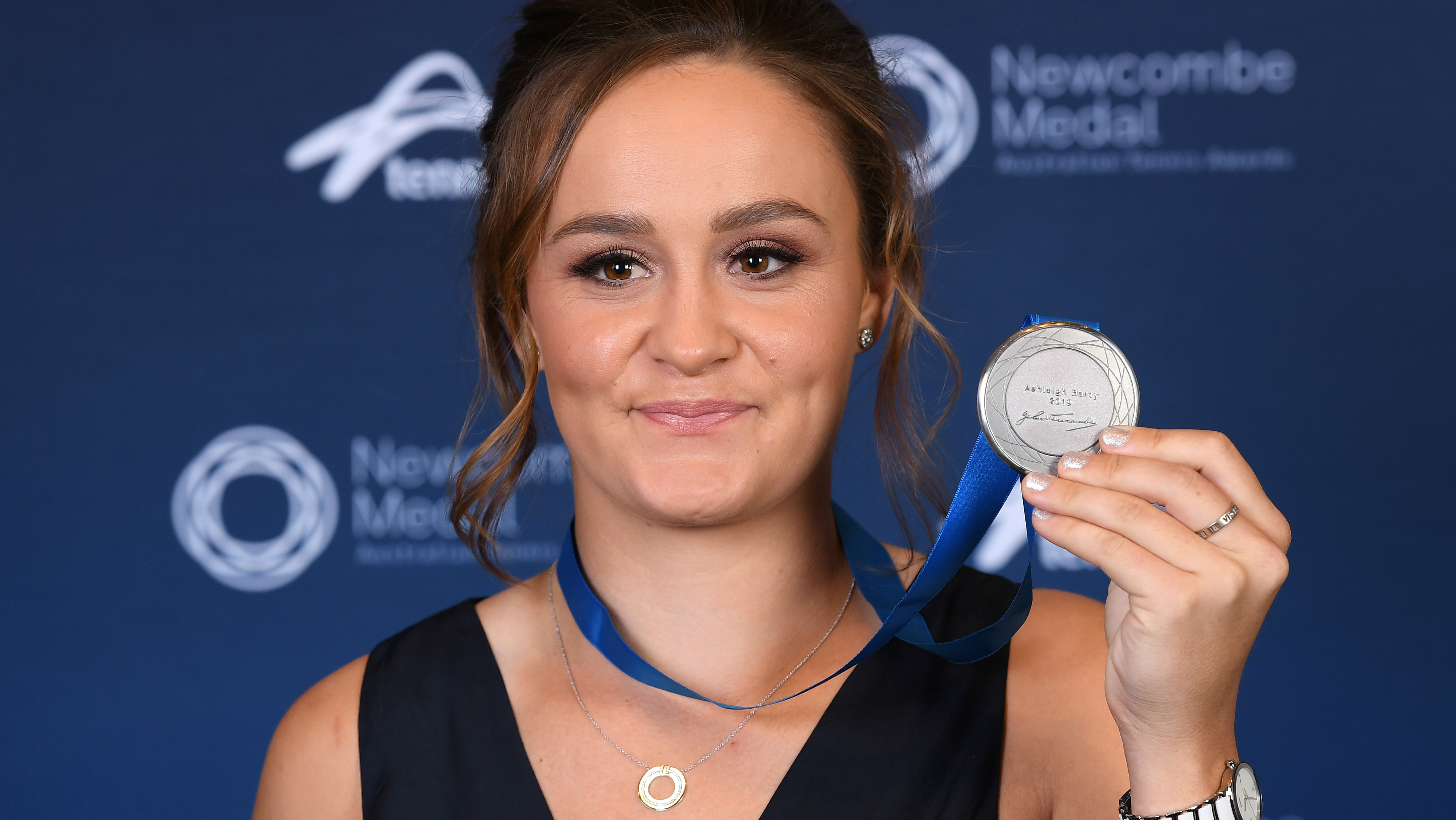 Ashleigh-Barty-Newcombe-Medal-2019