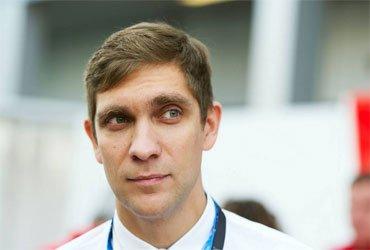 Льюис Хэмилтон осудил решение назначить Виталия Петрова стюардом гонки  в Португалии