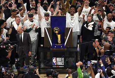«Милуоки Бакс» — чемпионы NBA 2021!